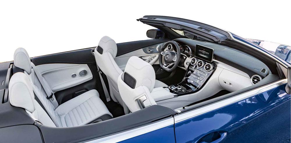 Mercedes er en potent bil – uanset om kalechen er oppe eller nede.